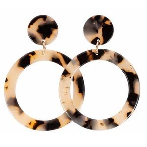 Jewelry - Light Tortoise Acrylic Circle Dangle Earrings